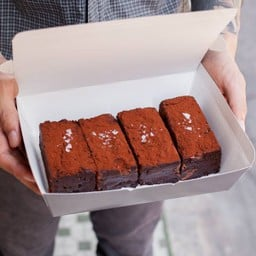Brownie Box Delivery (4 pieces)