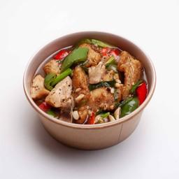 เนื้อปลากะพงผัดพริกไทยดำราดข้าว
