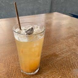 น้ำผึ้งบ๊วยโซดา
