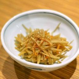 รากไม้ญี่ปุ่นผัดซอส