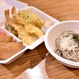โซบะ+เท็มปุระ+ข้าวซูชิห่อด้วยเต้าหู้หวาน
