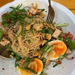 ยำขนมจีนหมูยอปลาทู