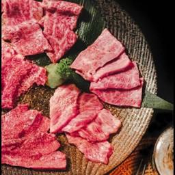 ชุดเนื้อวากิวหมักซอส (200g)