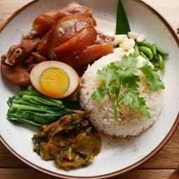 เฮียวุฒิข้าวขาหมู(สูตรตุ๋นยาจีน)&ไก่ทอดไก่ตุ๋น
