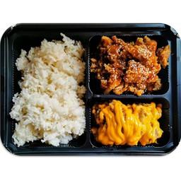 เซ็ทข้าวไก่กรอบซอสเกาหลีพร้อมไก่ราดชีส