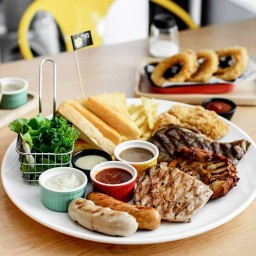 Hungry Nerd  Steak & Pasta ซีคอนสแควร์ ศรีนครินทร์