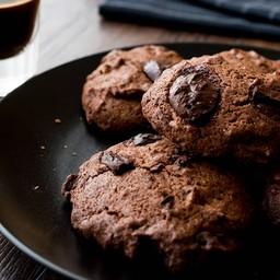 คุกกี้ดับเบิ้ลช็อคโกแลต และ เมล็ดโกโก้นิปส์ ออแกนิก ( 3ชิ้น )