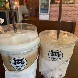 Little Cat Cafe โกสัมพีนคร