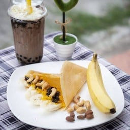 Honey Sweet Crepe and Coffee กาดทวีโชค