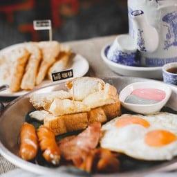 โกปี๊ 咖啡 อาหารเช้านิมมาน