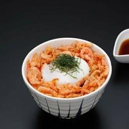 ข้าวหน้ากุ้งซากุระกับไข่ลวก