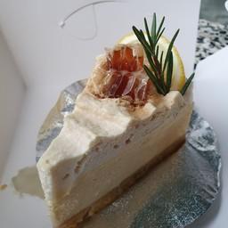 Honey lemon cheesecake