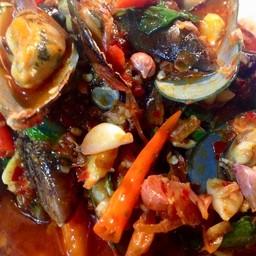 หอยแมลงภู่ผัดน้ำพริกเผา