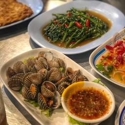 หอยแครง ผัดผักบุ้ง