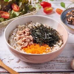 ข้าวผสมควินัวผัด จูมอคทูน่า Self Jumok Tuna