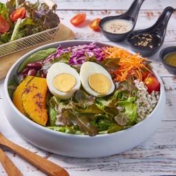 สลัดไข่ต้ม Veggie Salad with Boiled Egg