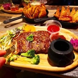 Dinosaur Dining เทอมินอล21โคราช