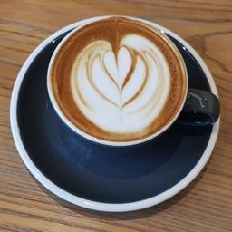 เมนูกาแฟใส่นมที่ผิวกาแฟเคลือบด้วยฟองนมบางๆ (เสริฟ 5oz.)