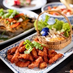 """สัมผัสอาหารไทยเลิศรส ในบรรยากาศสุดประทับใจ ที่ """"ครัวเรือนไทย"""" หาดใหญ่  ชิมอาหารไ"""