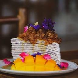 Crepe cake herbal fruit sause