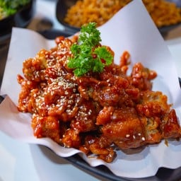 เชรดโด้ ไก่ทอดซอสเกาหลี กาดสวนแก้ว ชั้นB1