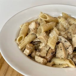 Penne Chicken with Cream Sauce