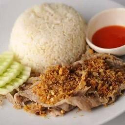 ข้าวกระเทียมพริกไทย