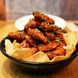 เมนูที่จัดจ้านในสามย่าน ด้วยซอสสูตรพิเศษ OMG spicy ทำให้มีอรรถรสในการกินมากขึ้น