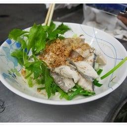 ข้าวต้มปลาอินทรีคุณแอ๋ว สัตหีบ