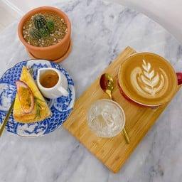 Ras Saa Daa by Good Cafe  叻衫達  รัษฎาคาเฟ่