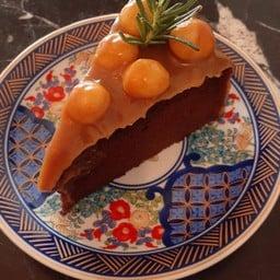 Maccadamia Mocca Cake
