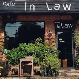 Cafe in Law
