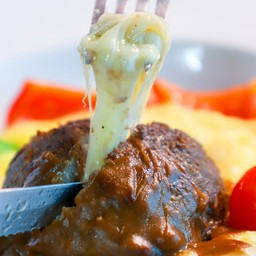 สเต็กเนื้อสับโรลชีส มันฝรั่งมูส
