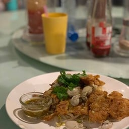 หอยทอดเจ๊ฮวย ปากน้ำโพ