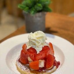 strawberry cheese pancake