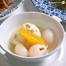 """""""ส้มฉุนหิมะ"""" (80 บาท) ขนมหวานสไตล์ไทยประยุกต์ ที่มีรสชาติเปรี้ยวสดชื่น ละมุนลิ้น"""