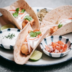 Crispy Fish Tacos (320.-)