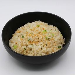 ข้าวผัดกระเทียม (Garlic Fried Rice)