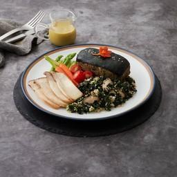 สเต็กปลาวีแกนราดซอสเขียวหวาน