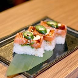 Aburi salmon oshi sushi
