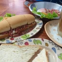 ขนมปังกรอบอร่อย คู่ละ 15 บาท ราคาเท่าชานมร้อนและกาแฟร้อน...ราคาเบาหวิวมากกก