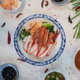 ข้าวหมูแดงทุกอย่าง (อันดาอร่อย70ปี เฮียหลอ)