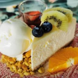 New York Cheese Cake with Ice Cream
