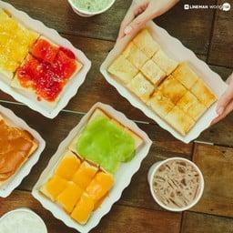 เต็มรสชาติปัง ๆ นม ๆ หอมกรุ่น ถูกเสิร์ฟมาเต็มโต๊ะ สีสันละลานตา