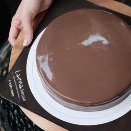 ลาร์นาเค้ก ช็อคโกแล็ตหน้านิ่ม ขนาด 2 ปอน