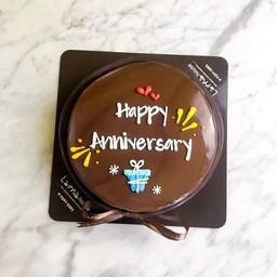 Larna Cake 1 pound (Heart& Gift Decoration)