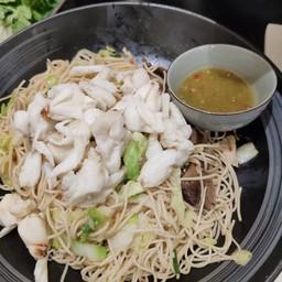 ผัดหมี่ฮ่องกงปูก้อน Stir-fried Hong Kong Noodles with Loads of Crab Meat