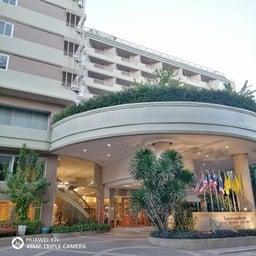 โรงแรมลองบีชชะอำ