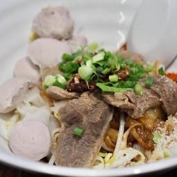 ก๋วยเตี๋ยวอนามัย Thai Taste Hub Mahanakorn CUBE