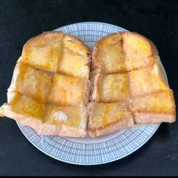 ขนมปังปิ้ง ตลาดลำลูกกาพลาซ่า